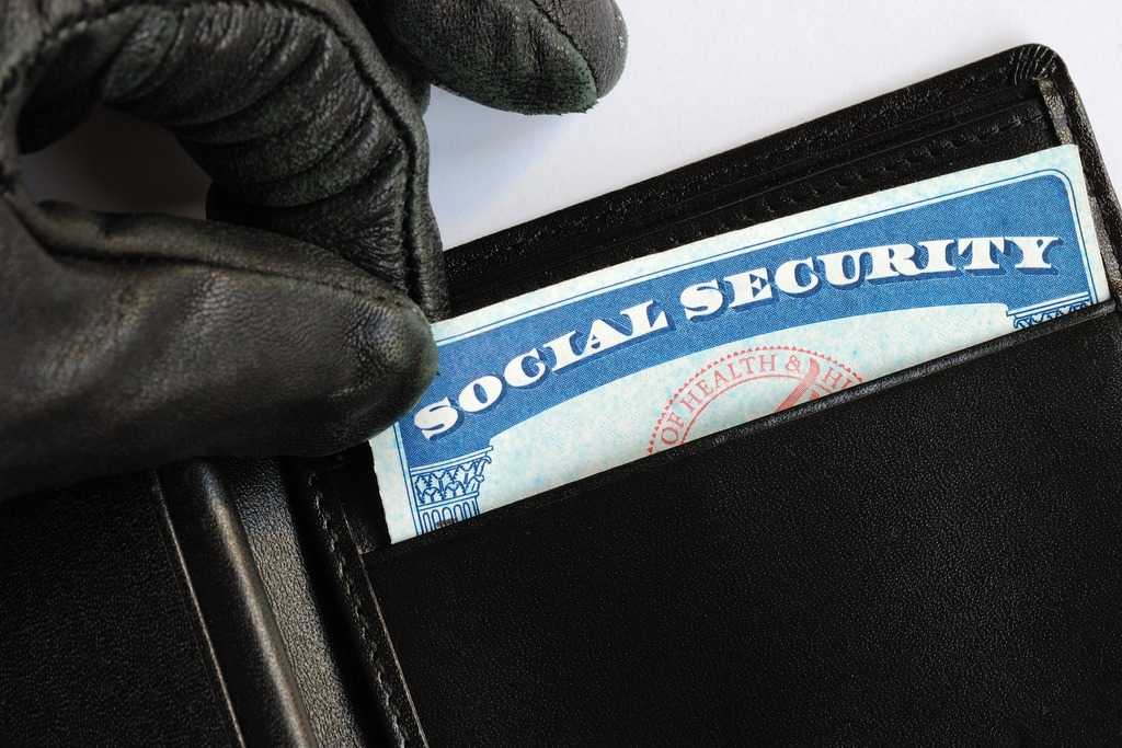 taking social security card out of wallet